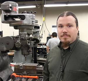 Streamwood high manufacturing teacher Matt Erbach